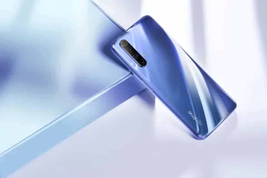 Desain Belakang Realme X50 Menunjukan Empat Kamera dengan Pemindai Sidik Jari dibagian samping