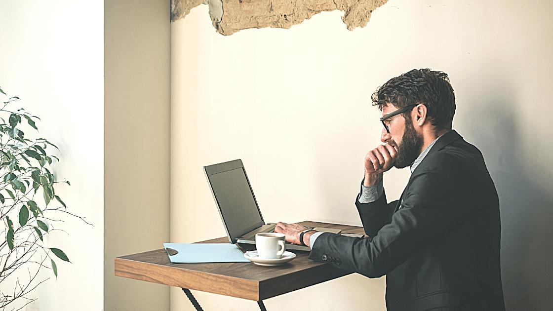 Cara Mengatasi laptop hang Layar Hitam
